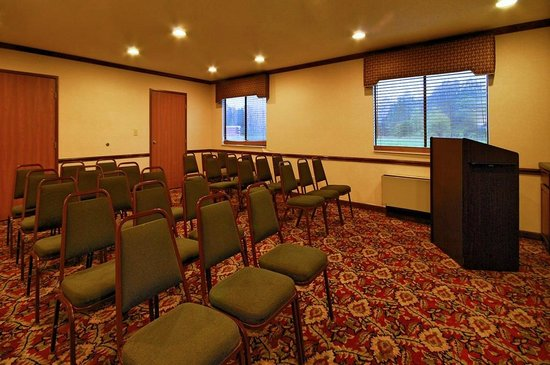 Super 8 Clinton: Conference Room Seating