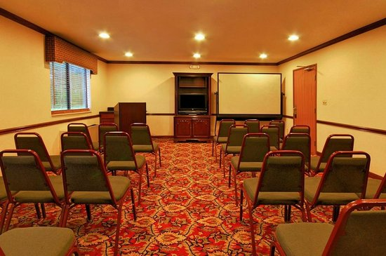 Super 8 Clinton: Conference Room