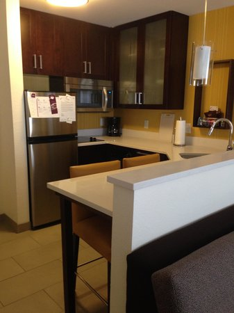 Residence Inn Denver Cherry Creek: Studio Kitchen