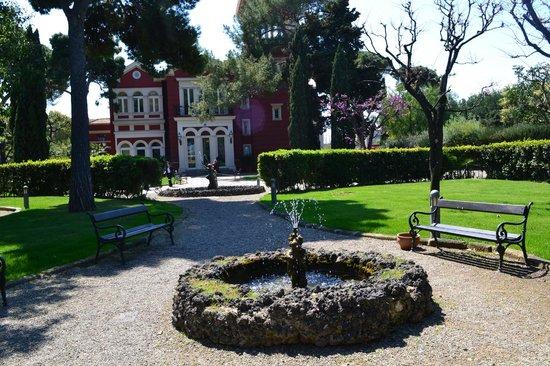 Mercure Villa Romanazzi Carducci: территория отеля