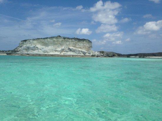 Staniel Cay Yacht Club : White cliffs (Iguanas)