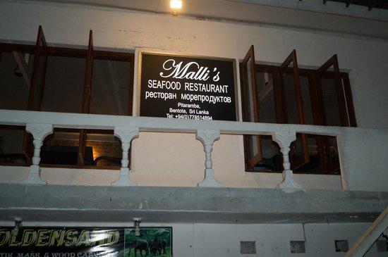 Malli's Seafood Restaurant : Лучший ресторанчик в Бентоте!