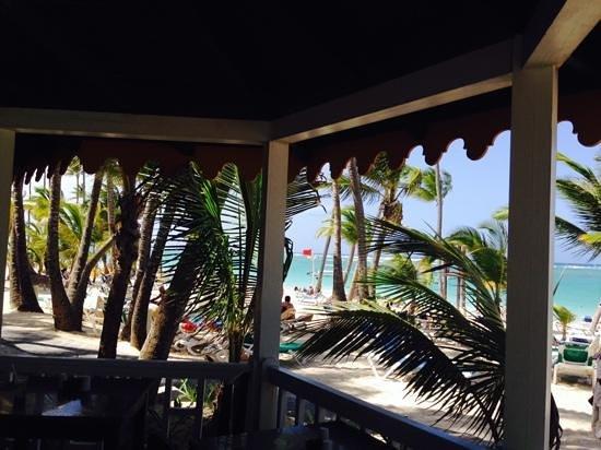 Hotel Riu Naiboa: vista desde el bar del riu en la playa