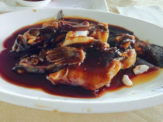 Lou WaiLou (GuShan Road) : 淡水魚の甘酢餡かけ