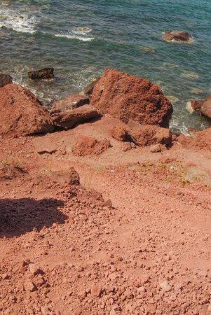 Red Beach: На спуске к пляжу