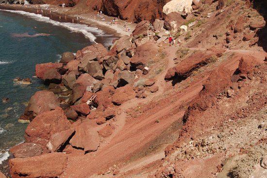 Red Beach: Горная дорожка к пляжу