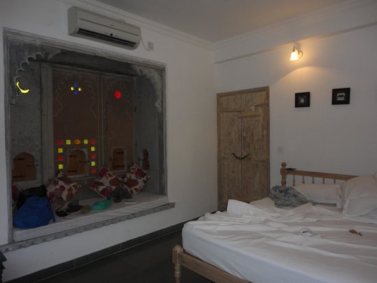 Jaiwana Haveli: Room View3