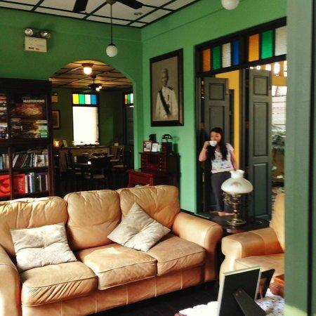 Baan Pra Nond Bed & Breakfast: Comfortable sitting room