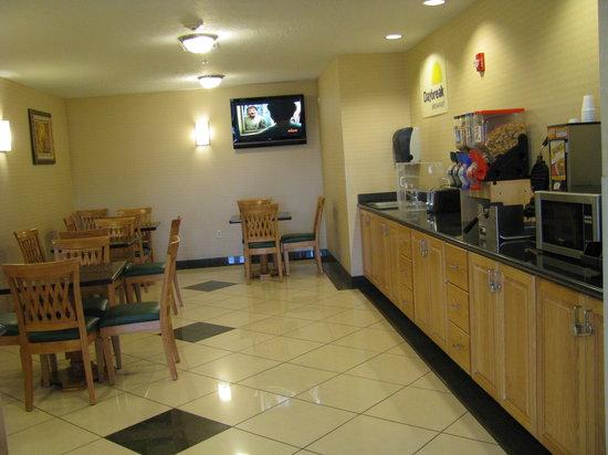 Days Inn Brigham City: Breakfast Area