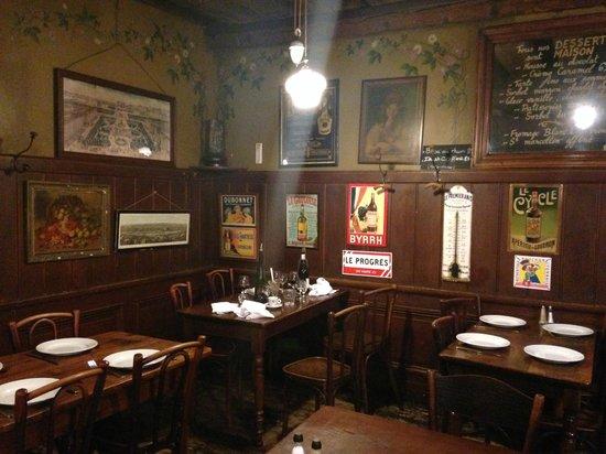 Cafe Comptoir Abel: Fin de soirée chez Abel, déco très authentique