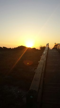 Surf Song Bed & Breakfast : The board walk over to the beach at sunset. It's breathtaking.