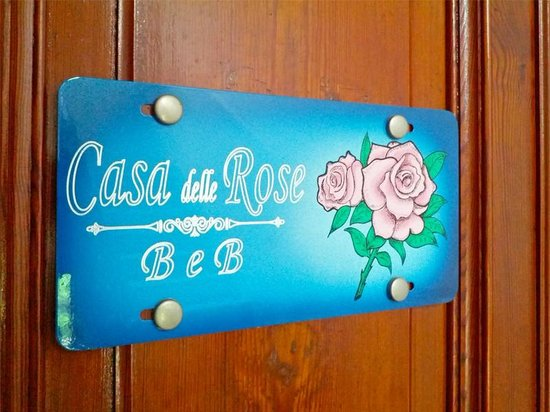 B&B Casa delle Rose: Front Door