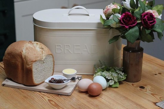 The Barn: Fresh baked bread and local eggs