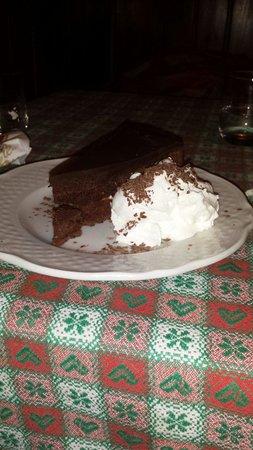 Tiroler Keller : Sacher torte...