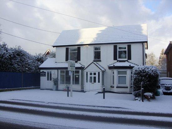 Ashdene Guest House: A little snowy Ashdene
