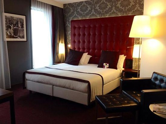 Crowne Plaza Amsterdam South : King bed