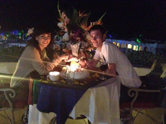 Sunrise Diamond Beach Resort : What the staff from the Italian restaurant did for my partner on his birthday, amazing! Did not