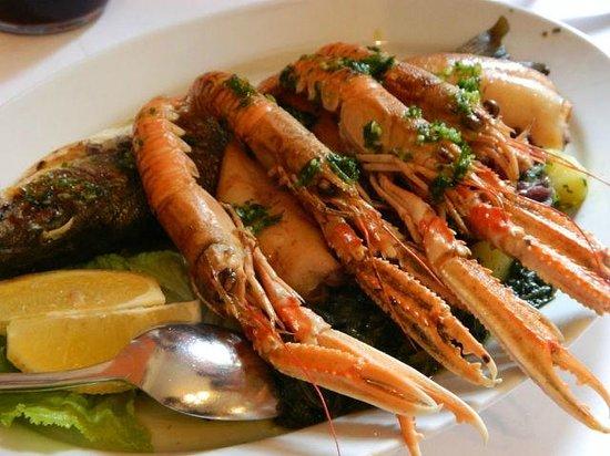 Laguna Molindrio Hotel: Еда (одно из множества блюд)