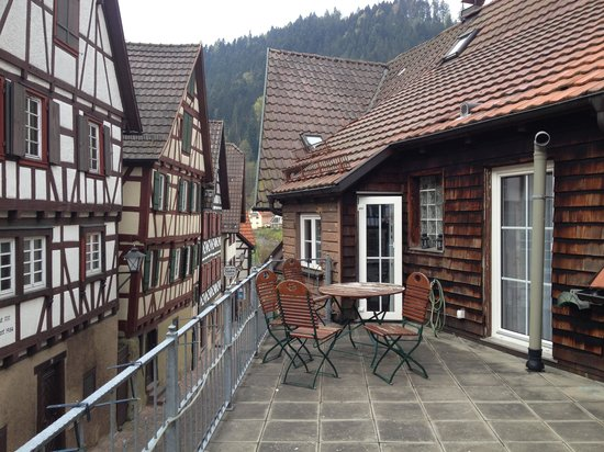 Zur Alten Brucke: Il terrazzino dell'albergo