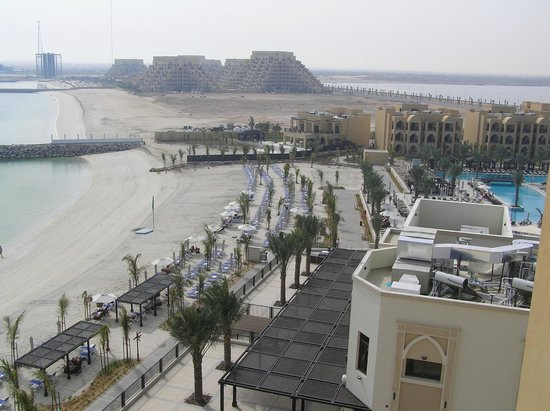 DoubleTree by Hilton Resort & Spa Marjan Island: View to the right