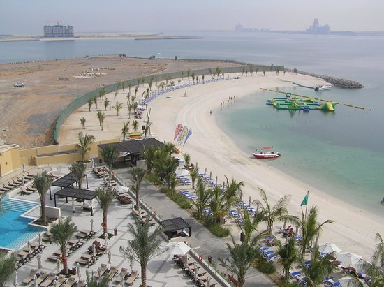 DoubleTree by Hilton Resort & Spa Marjan Island: View to the left