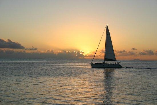 Bora Bora Photo Lagoon : Coucher de soleil sur le pacifique