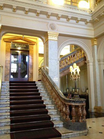 The Grosvenor Hotel: Lobby and stairs to bar