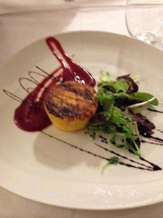 Ristorante Il Calcagnino : Tortino di parmigiano con salsa alle fragole