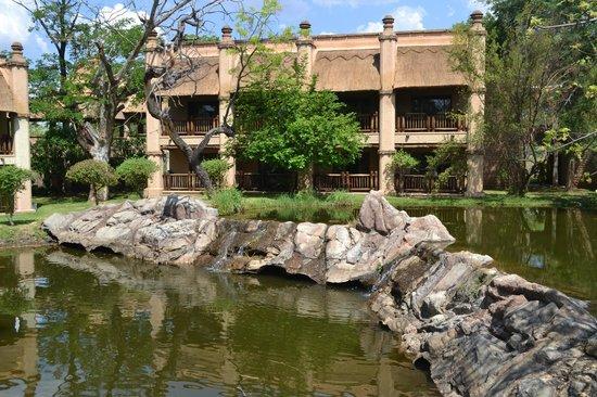 The Kingdom at Victoria Falls: территория отеля