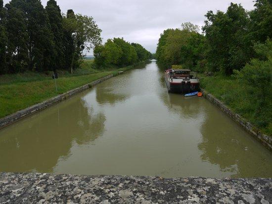 Chambre d'Hôtes Péniche MIRAGE : sur le canal