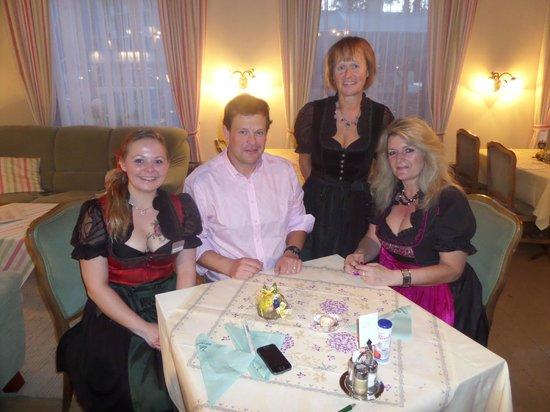 Hotel Stefanihof: Abendessen bei offenem Kamin