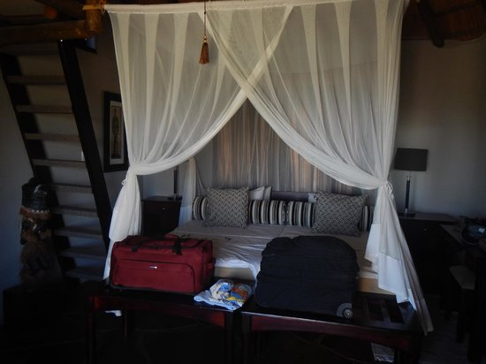 Vingerklip Lodge: Inside room (upstairs area not shown)