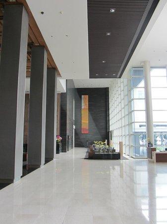 Pullman Bangkok King Power : entrance hall