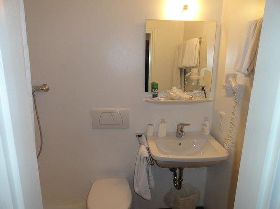 Hotel du Train: bagno