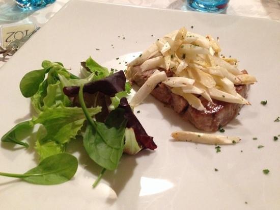Hotel Alla Corte Spa & Wellness Relax: tonno alla piastra con asparagi di Bassano