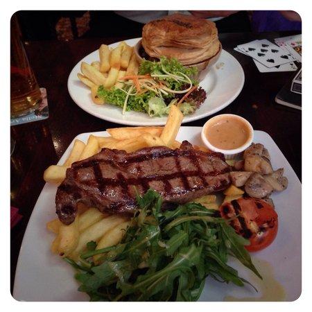 Skinners Arms : Sirloin Steak & the Steak & Ale Pie