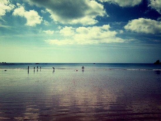 Beau Rivage Hotel: Beach view of St Brelades Bay