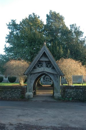 The Ridgeway National Trail: Entrance to St. Mary's Church in Wendover