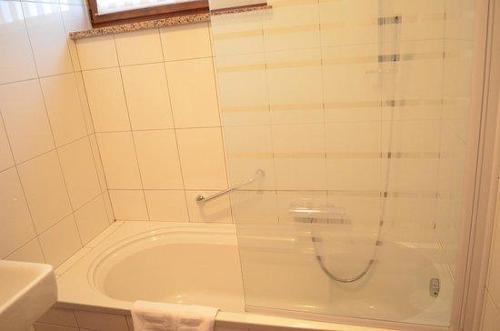 Hotel Degenija: bagno pulito