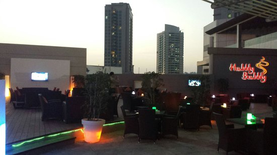 Holiday Inn Abu Dhabi: The best Shisha please