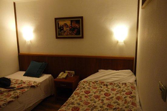 Jacaranda Club & Resort: Вторая комната в фемили рум.
