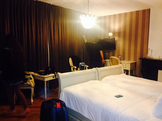 Hotel Bigarre: Room