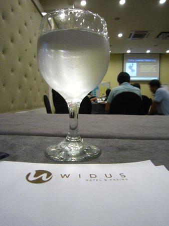 Widus Hotel and Casino: Dining area