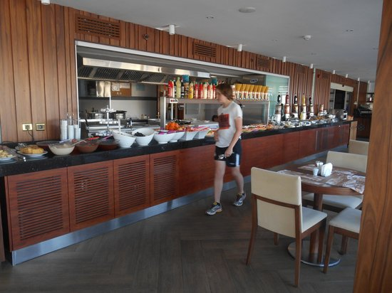 Victory Hotel And Spa : The buffet offers hot and cold food and the coffee is very nice.