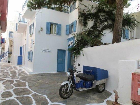 Hotel Carbonaki: Hotel Entrance