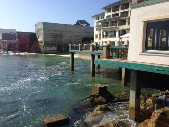 Monterey Plaza Hotel & Spa: view at breakfast