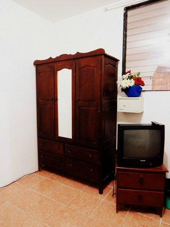 Bachelor Inn: Ameublement de la chambre