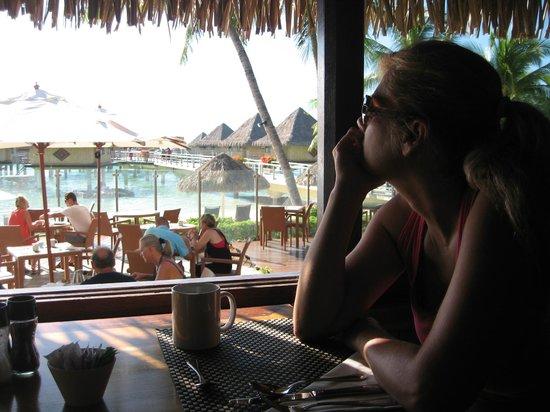 InterContinental Bora Bora Le Moana Resort: Breakfast buffet