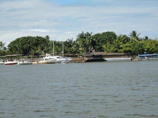 Arraial D'Ajuda Eco Resort: Vista do pier do resort durante a travessia
