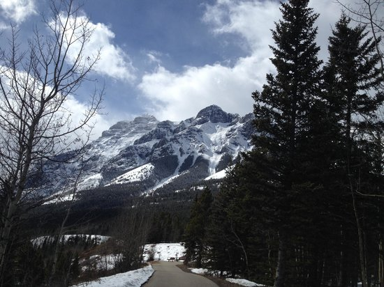 Delta Hotels by Marriott Kananaskis Lodge: View from walking trail